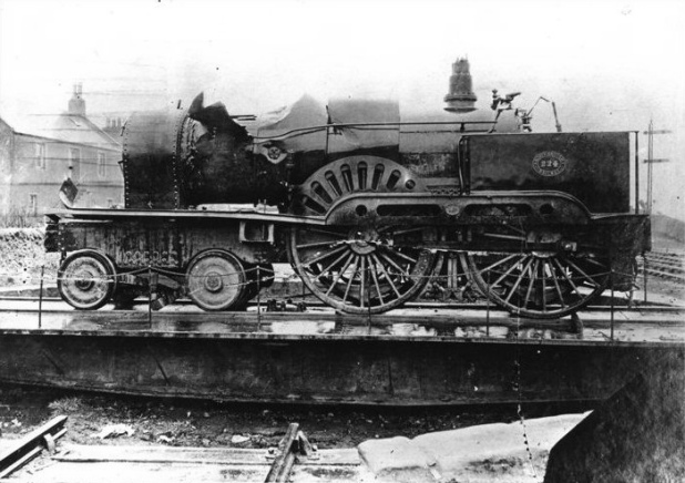 North_British_Railway_locomotive_224.jpg